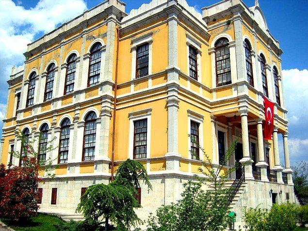 Safranbolu Tarihi Müzesi, eskiden hükumet konağı olarak kullanılan şimdilerde tarihi müzeye dönüşmüş bir yer.