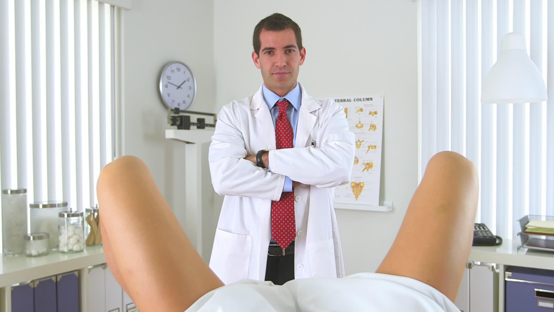 Пришла на прием к гинекологу 16 фотография