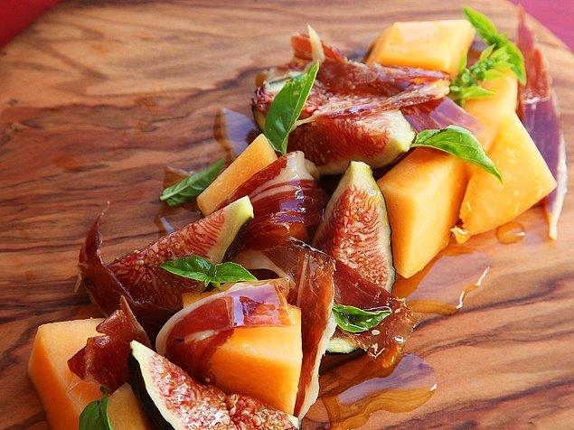 2. Meyve demişken bu sefer kendilerini biraz tuzlu bir lezzetle baş başa bırakalım...