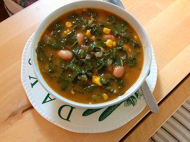 6. Açılın dostlar, Yarmalı lahana çorbası geliyor.