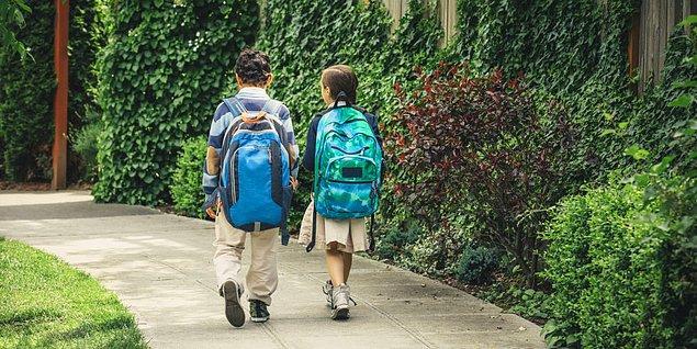 14. Eve yürüyerek gidiliyorsa sırf onunla beraber yürüyebilmek için yolu uzatmak.