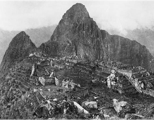 10. 1912 senesinde keşfedilen Machu Picchu'nun yukarıdan çekilmiş ilk fotoğrafı.