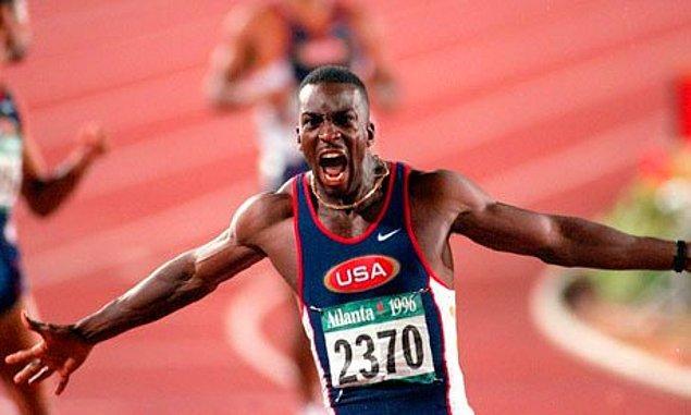8. Michael Johnson'ın Atlanta Olimpiyat Stadı'nın Pistini Ağlatması