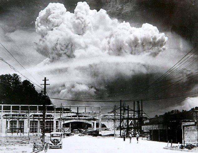 8. Meşhur Godzilla, Japonlar tarafından saldırıya tepki amaçlı olarak yaratılmıştı.