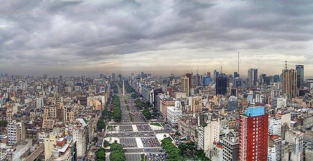 4. Dünya'nın en geniş bulvarı Arjantin'in başkenti Buenos Aires'te yer alıyor.