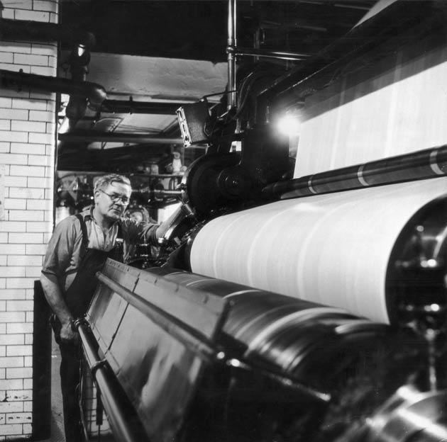 newspaper printing press terms Printing press: a printing press is a machine used to transfer text and images to paper or other media by means of ink.