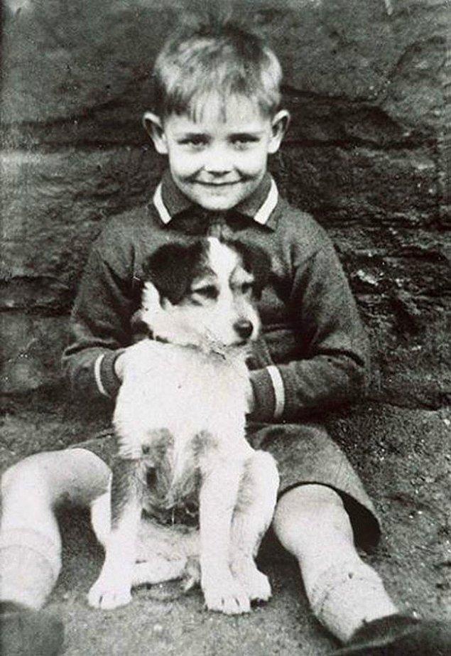 25. Aktör Sean Connery küçük bir çocukken, 1930'ların sonu.