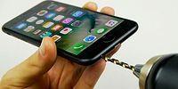 Как сделать разъем для наушников в iPhone 7? Просто просверлите его