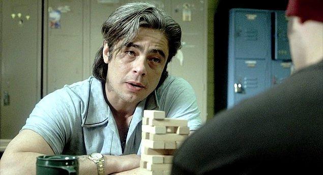 """2. Benicio Del Toro şöhrete kavuştuğunda """"çirkin Brad Pitt"""" benzetmelerine maruz kalmıştı; bize göre karizması Brad Pitt'ten bile ağır!"""