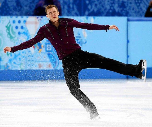 """9. """"Napıyorum ben böyle ya, buz üstünde falan... Bi tiksinti geldi aniden..."""""""