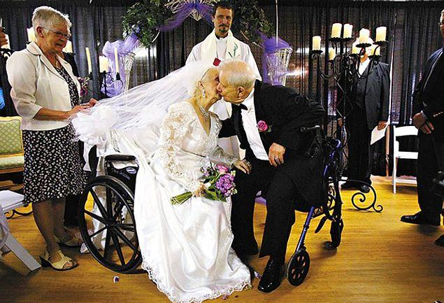 Они поженились, когда невесте стукнуло 100