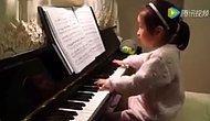 Dünyanın En Zor Eserlerinden Birini Çalan 5 Yaşındaki Piyanist Ufaklık