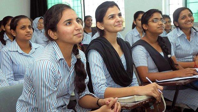 Kadınların okuldaki alan tercihleri de bu kültürel yapıdan çokça etkileniyor.