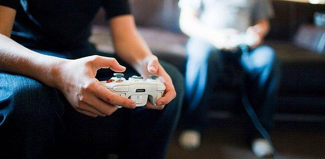 8. Konsol ya da kutu oyunları oynayabilirsiniz.