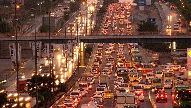 9- Trafiği tehlikeye sokana 2 bin 700 TL ceza