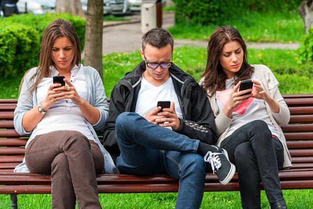 10. 18-24 yaş arası insanlar günde ortalama 128 mesaj gönderiyor.