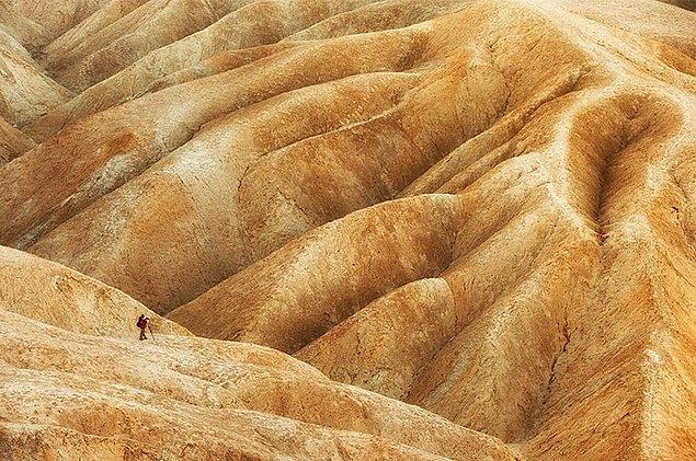 15. Badlands, California