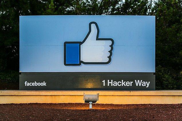 7. Ancak bir süre sonra caddenin adı Hacker Yolu olarak değişti.