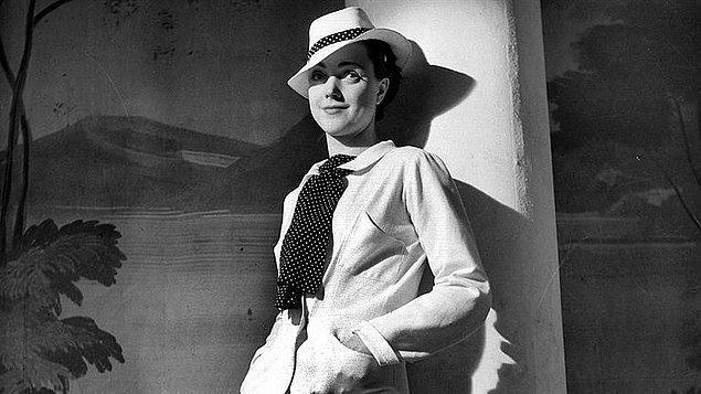 Sözlerime Coco Chanel'in ''Moda geçer, stil kalır'' sözleri ile başlamak istiyorum.