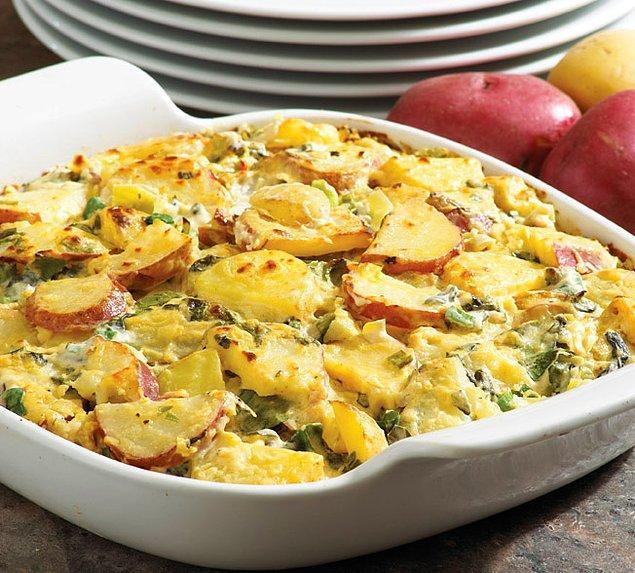 2. Patates kaserol her milletten insanı mutlu edebilecek bir ortak damak lezzetine sahiptir.