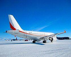 4- Ice Runway Airport, Antartica