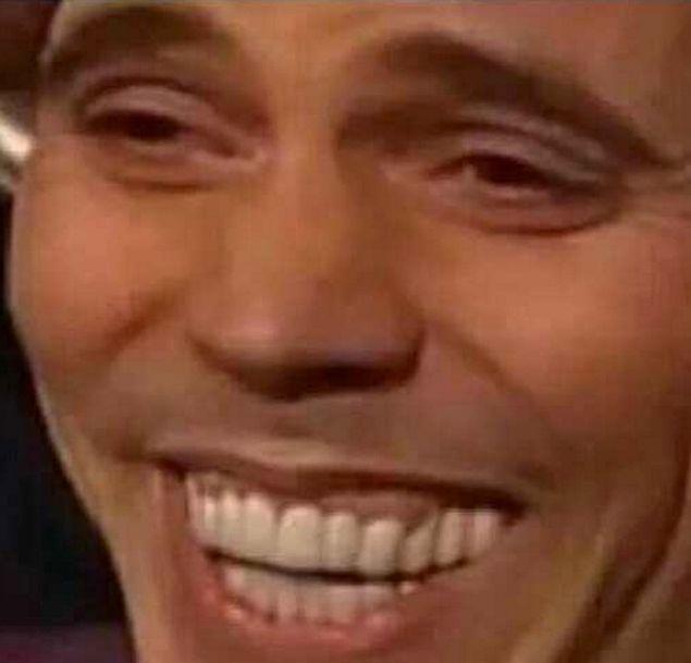 Эта идиотская улыбка, когда ты не понял, что тебе говорит собеседник