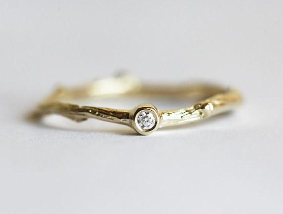25 Very Special Custom Engagement Rings You Ll Want To Marry With