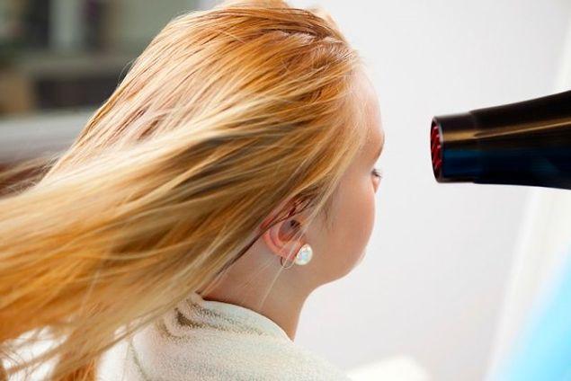 """Не сушишь волосы феном, думая, что так они """"отдыхают"""""""