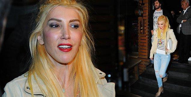 4. Türkiye'nin Lady Gaga'sı olacaktı, olamadı! Hande Yener de sarıyı hiç taşıyamayanlardan oldu.