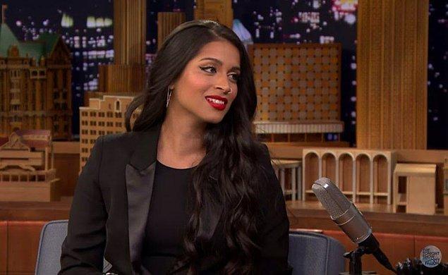 3. Lilly Singh'in eğlenceli videoları kendisine 2016 yılında 7.5 milyon dolar kazandırdı.