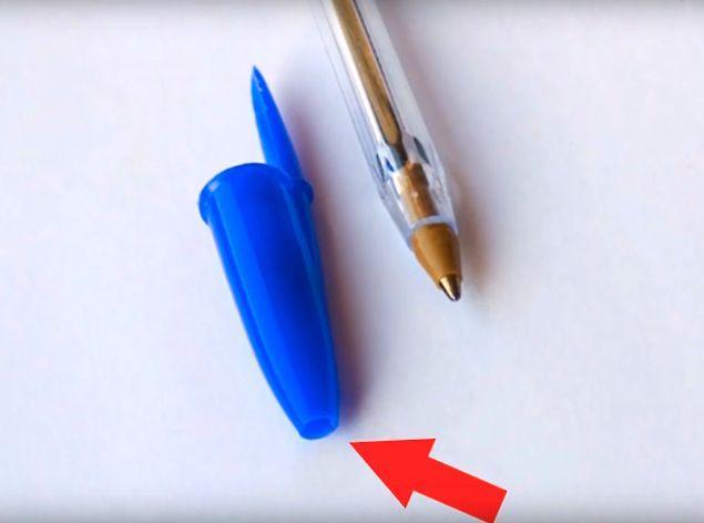 Зачем в колпачке шариковой ручки имеется отверстие?