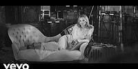 Супермодель Кейт Мосс снялась в клипе на песню Элвиса Пресли