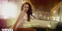 """Она вернулась! Наталья Орейро в образе """"горячей проводницы"""" в новом клипе"""