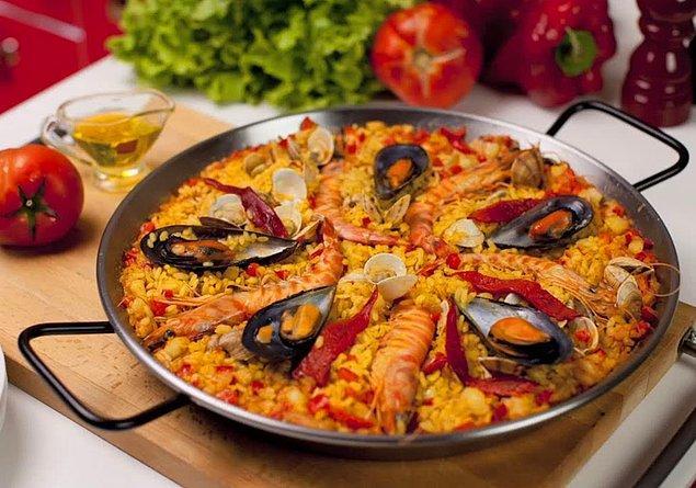 2. Risotto sevenlere alternatif: Paella