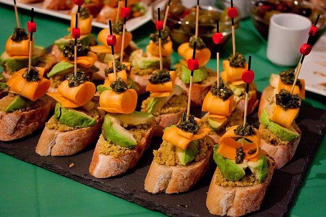 1. Ekmek üstü lezzetlerin en güzeli: Pintxos