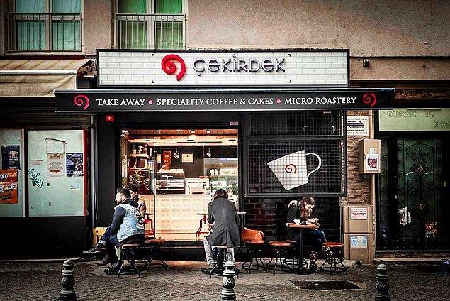 10. Yine Kadıköy, yine Moda, yine harika bir kahveci: Çekirdek