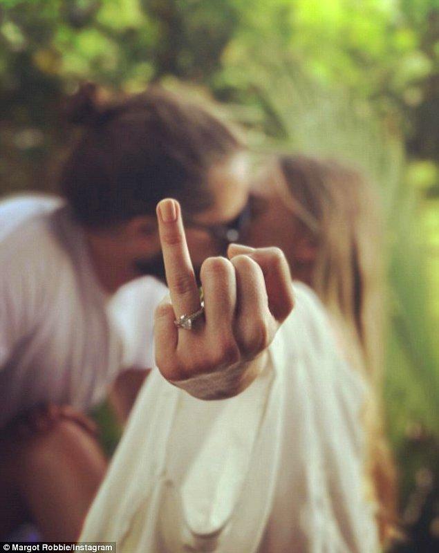 Bu iddialar Margot'nun bu aşk dolu fotoğrafı paylaşmasıyla gerçekliğe kavuşmuş oldu!