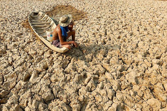 6. El Nino Kamboçya'nın kırsal kesimine büyük bir vurgun yaptı. Tarım ve balıkçılıkla geçinen Kandal bölgesinde ciddi bir su sıkıntısı var fakat bilim insanlarına göre yağmur mevsimi geldiğinde muhtemelen bütün tarım alanları sel altında kalacak.