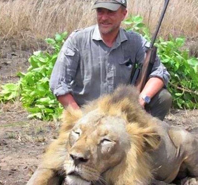 55 yaşındaki İtalyan veteriner Luciano Ponzetto, ormanın büyük hayvanlarını avlamaktan ne kadar zevk aldığını asla saklamıyordu.