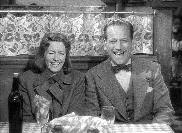 Araştırmacılar, konuşmalar sırasındaki tüm kahkahaların ses kaydını almış.