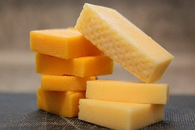 "14. ""Peynir, sütün ölümsüzlük bulmuş halidir."" Clifton Fadiman"