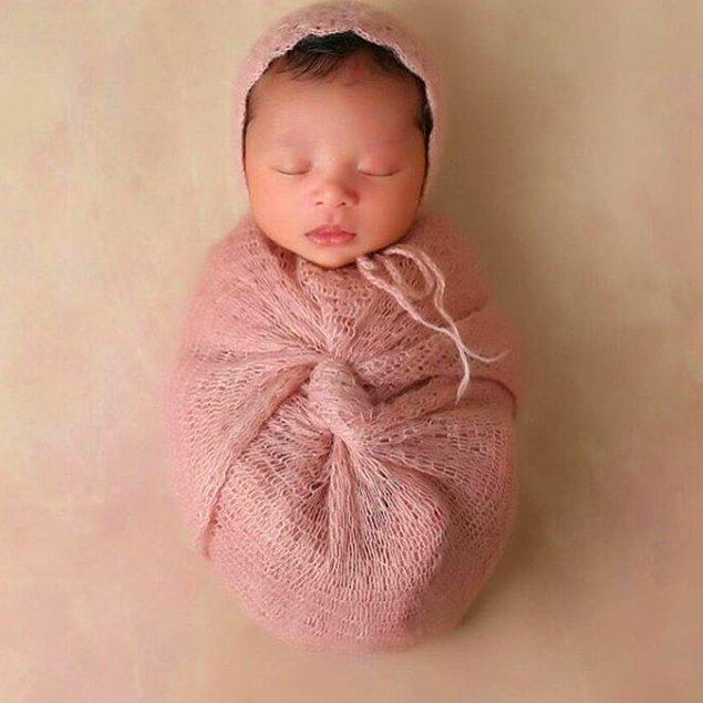 6. Kobe Bryant, kızı Bianka Bella'nın dünyaya geldiğini Instagram hesabından bu minnoş mu minnoş fotoğraf ile duyurdu.