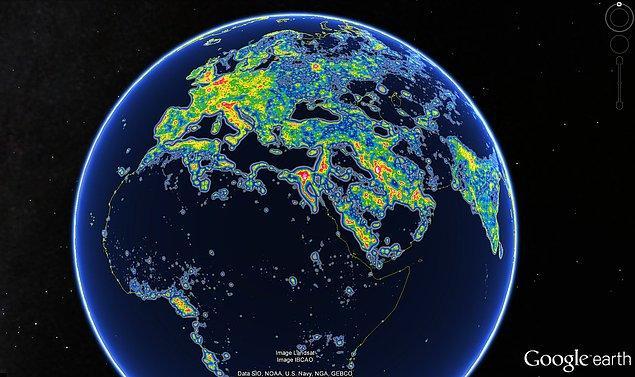 29. Dünyanın 3'te 1'inin ışık kirliliği sebebiyle Samanyolu galaksisini göremediği tespit edildi.