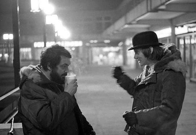 13. Otomatik Portakal'ın çekimleri sırasında, başrol oyuncusu Malcolm McDowell ile yakın bir arkadaşlık kurmasına rağmen film bittikten sonra onunla bir daha asla görüşmedi.