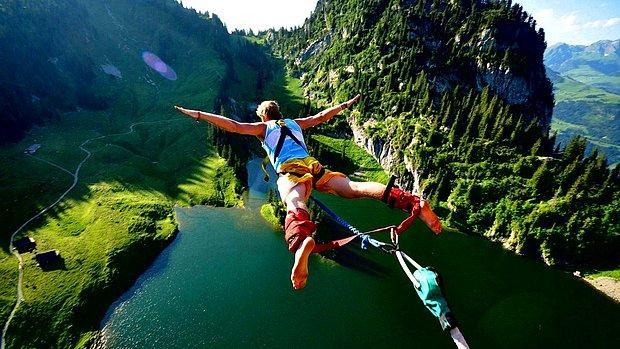 Bungee jumping yapmak