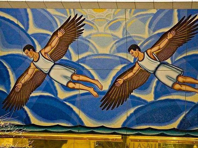 Создатель Арабского словаря десятого века спрыгнул с крыши в надежде полететь как птица на двух деревянных крыльях