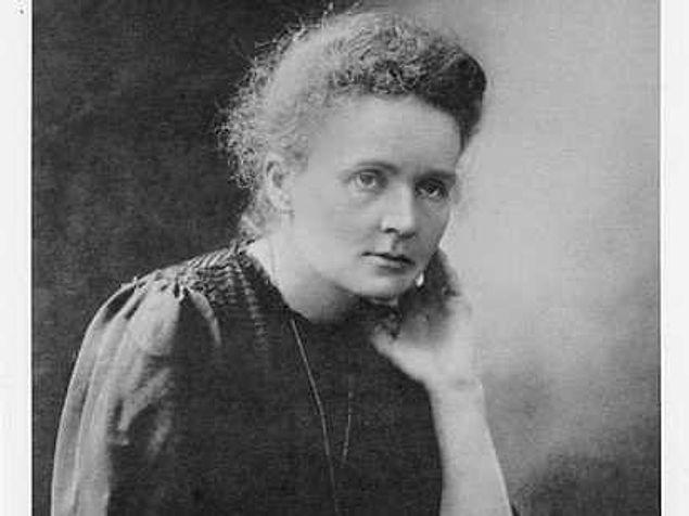 Мария Кюри, обладательница двух Нобелевских премий умерла от радиоактивного излучения