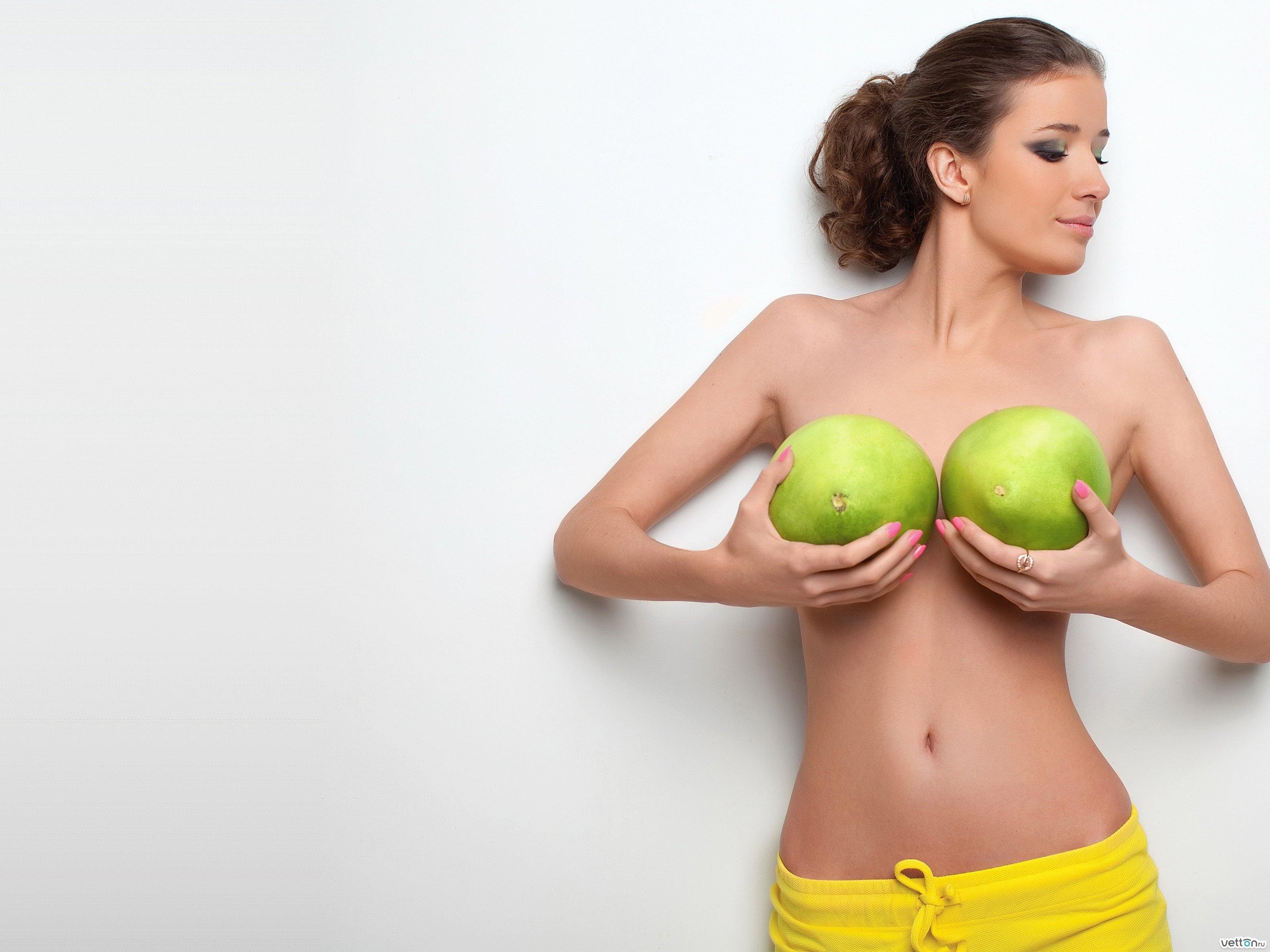 Интригующие девушки с большой грудью видео фото 260-349