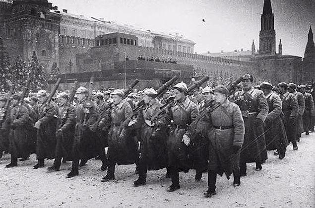 Почти 80% советских мужчин, родившихся в 1923 году, погибли в Великую Отечественную войну.