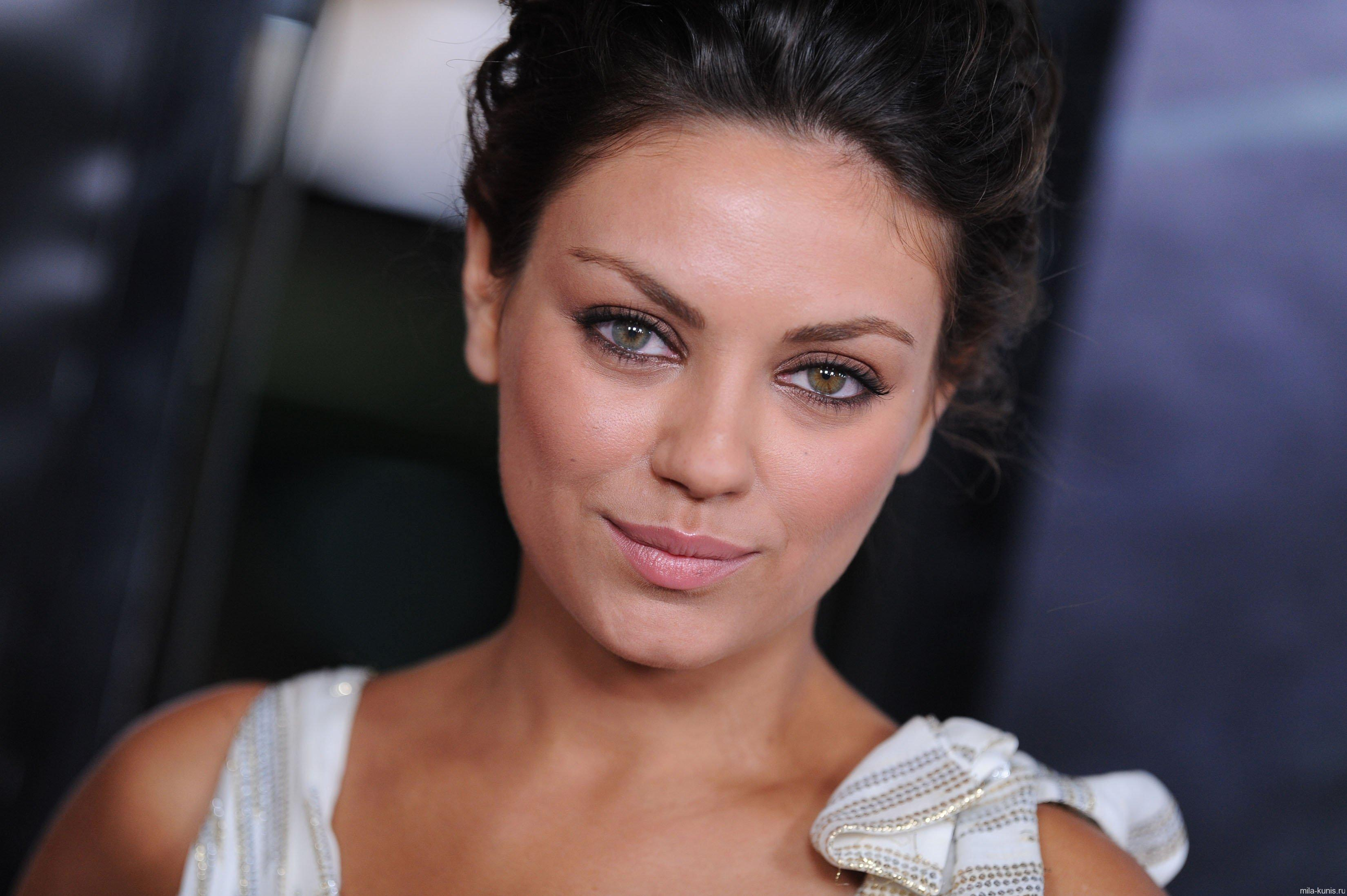 A List Of Celebrities With Two Colored Eyes Heterochromia - HD3300×2196
